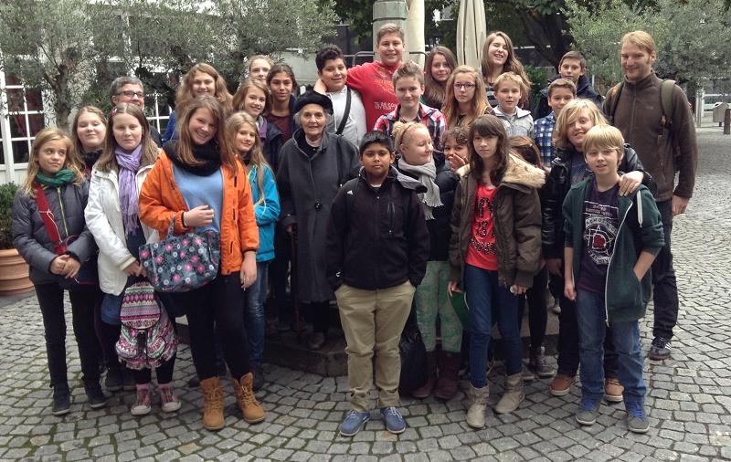 Zeitzeugen – die 7a trifft Lore Robinson in der Jawne in Köln