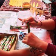 MKG-Schülerinnen malen Henna-Tatoos für den guten Zweck