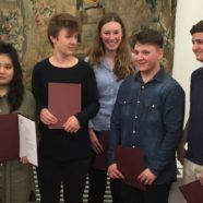 Bonner Oberbürgermeister verleiht CARE-Kids Urkunden für ehrenamtliches Arbeiten